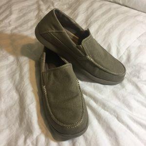 Crocs tan Brown Loafers Men's 9 NWOT